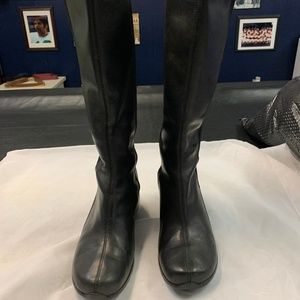 MERRELL SIZE 8 BLACK LEATHER BOOTS